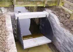 Stainless Steel and HDPE Tilting Weir